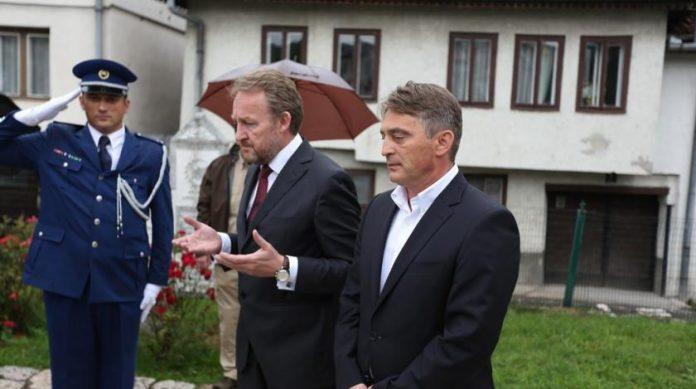 Reis za Dan šehida o susjedima Bošnjaka: Oni više ni ne kriju svoje namjere, ne smijemo ih podcijeniti Komsic_i_bakir-2-696x389